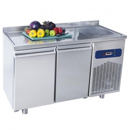 Table réfrigérée 700 - 2 Portes avec dosseret et plonge - Virtus
